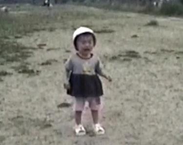 育児ママと娘の公園デビュー.jpg